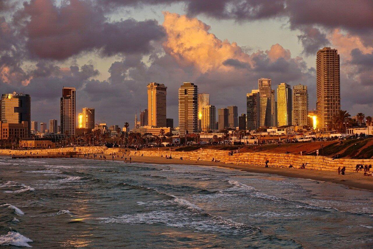 ชายหาดเทลอาวีฟในช่วงเวลาทอง Tel Aviv Travel